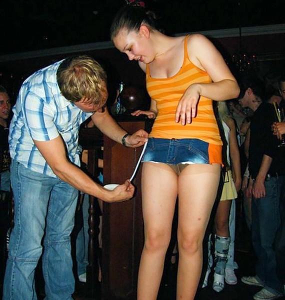 Под юбкой трусики видео танцы — photo 9