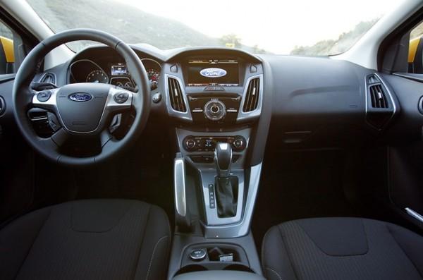 Отзывы о Ford Focus 3 2015 (Форд Фокус 3 2015) с ФОТО...